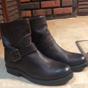 🆕 FRYE Natalie Short Boot - Dark Brown Sz 6